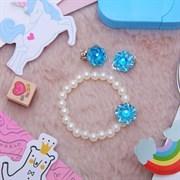 (1020922) Набор детский 2 пред-та:браслет,клипсы, цветок перламутровый,цвета микс 2299924